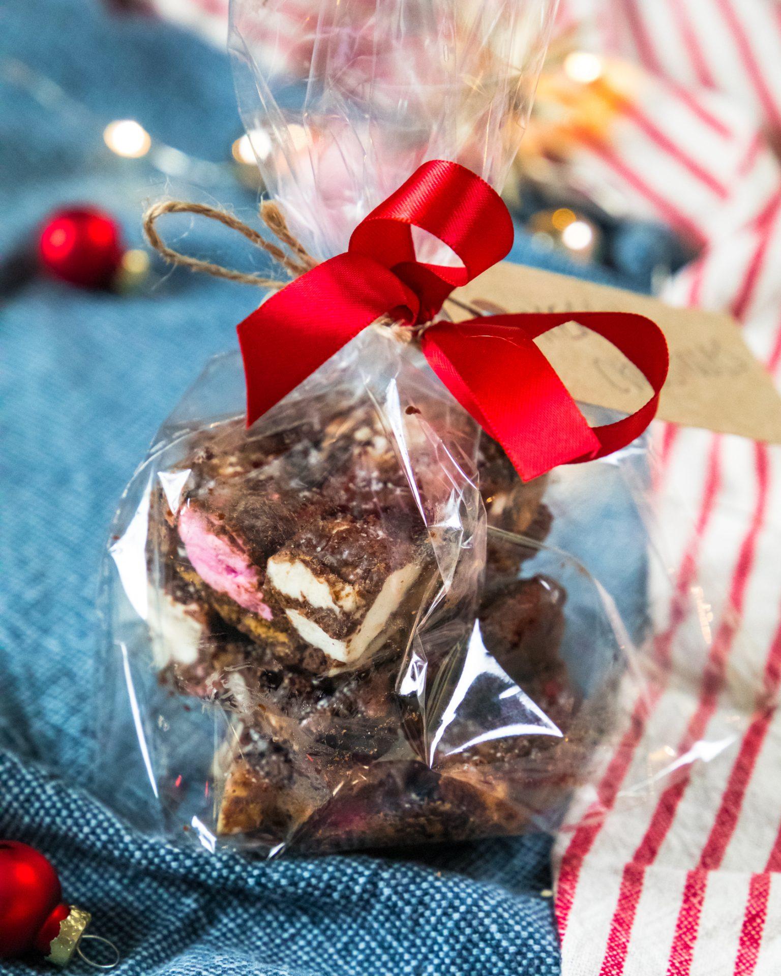 christmas-biscoff-vegan-rocky-road